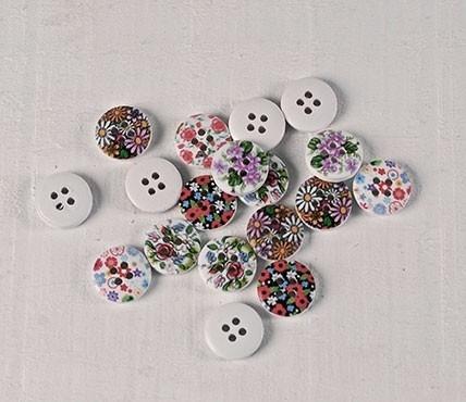 Botones de madera románticos