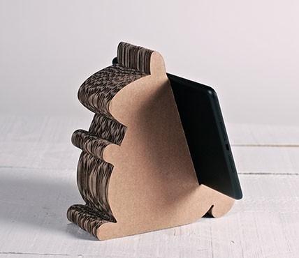 Supporto in cartone per iPad - scoiattolo in cartone