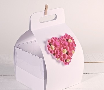 Decorated Box with handle for cakes