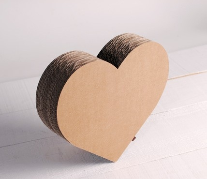 Heart-shaped cardboard box