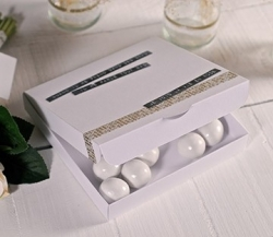 Box for wedding party invitations