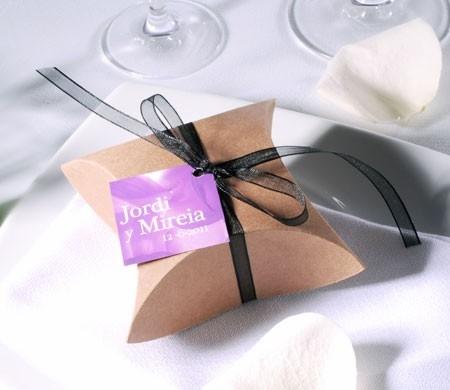 Brown kraft box for wedding favours