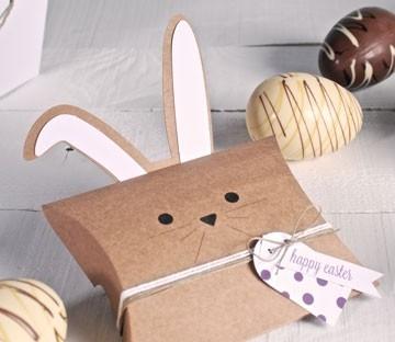 Schachtel mit Hasenohren