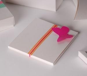 Caja para CD con mariposa decorativa