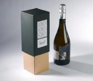 Elegante scatola bicolore per bottiglia
