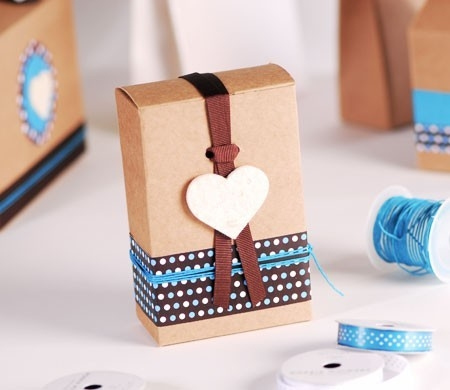 Little square box for wedding details