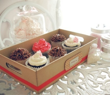 Cardboard tray for cupcakes