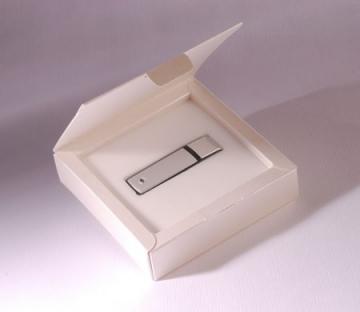 Caja cuadrada para usb