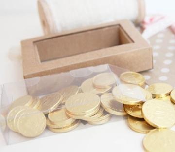 Cajita transparente para monedas de chocolate