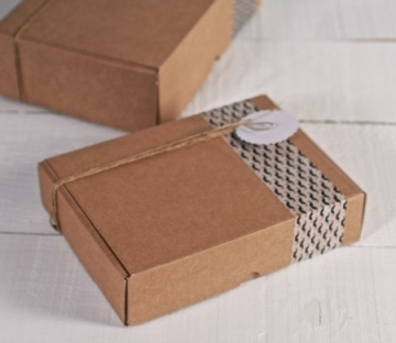 Rectangular shipping boxes