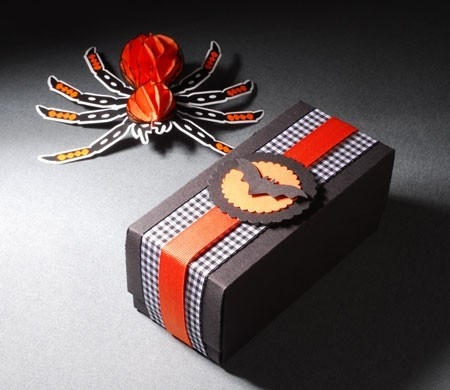 Gift box with lid for Halloween