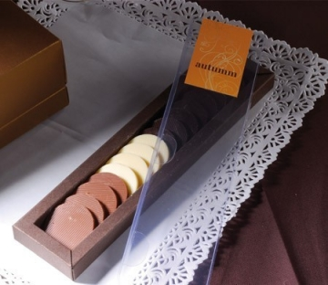 Caja con faja para bombones