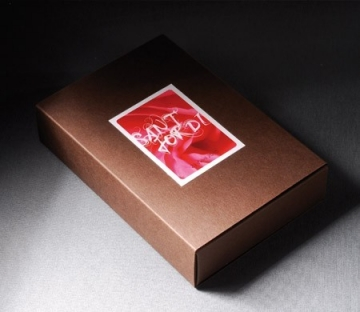 Rectangular gift box for chocolates
