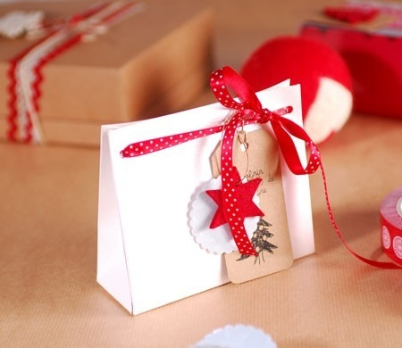 Sacchetto in cartone per regali di Natale - SelfPackaging