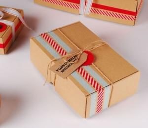 Caja automontable de cartón