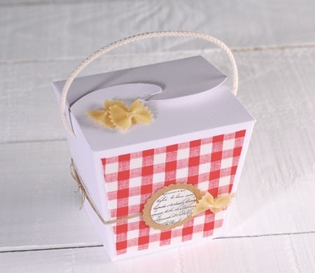 Gift box decorated with pasta