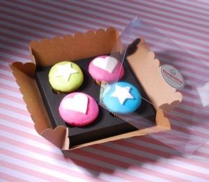 Box für vier Cupcakes mit Etikett