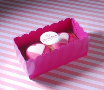 Box for two cupcakes with a printed label