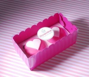 Caja fucsia para dos cupcakes