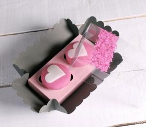 Cajita para dos cupcakes decorada con confeti