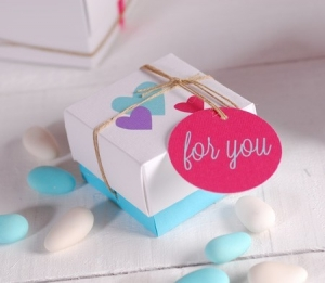 Little gift box with heart pattern
