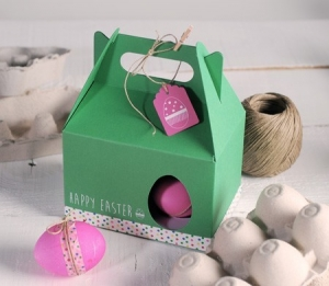 Picnic box for Easter eggs