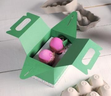 Picnic box for Easter eggs