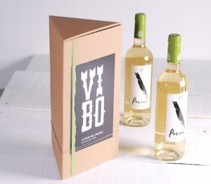 Triangular gift box for wine bottles