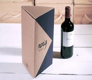 Scatola regalo triangolare per bottiglie