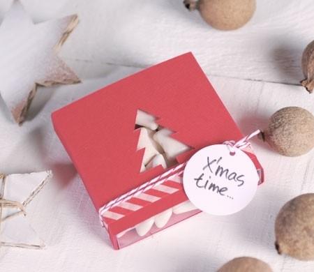 Gift box with Christmas tree