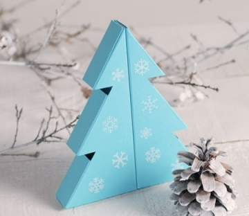 Christmas tree-shaped gift box