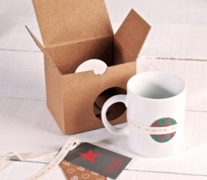 Decorated box for mugs