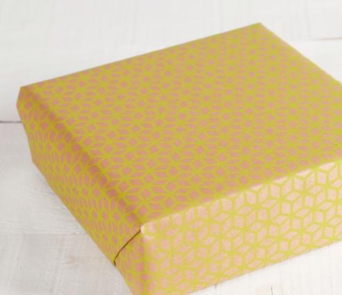 Papel de regalo geométrico