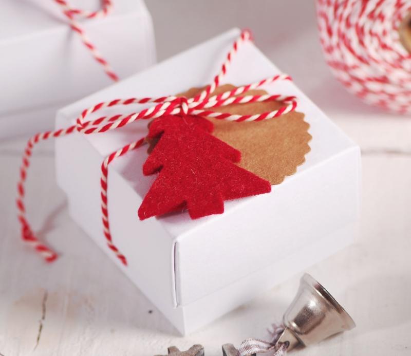 Geschenkbox Weihnachten.Kleine Geschenkbox Für Schmuck An Weihnachten