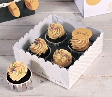 Clear box for 4 cupcakes