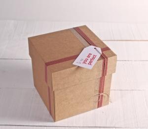 Caja para envíos decorada
