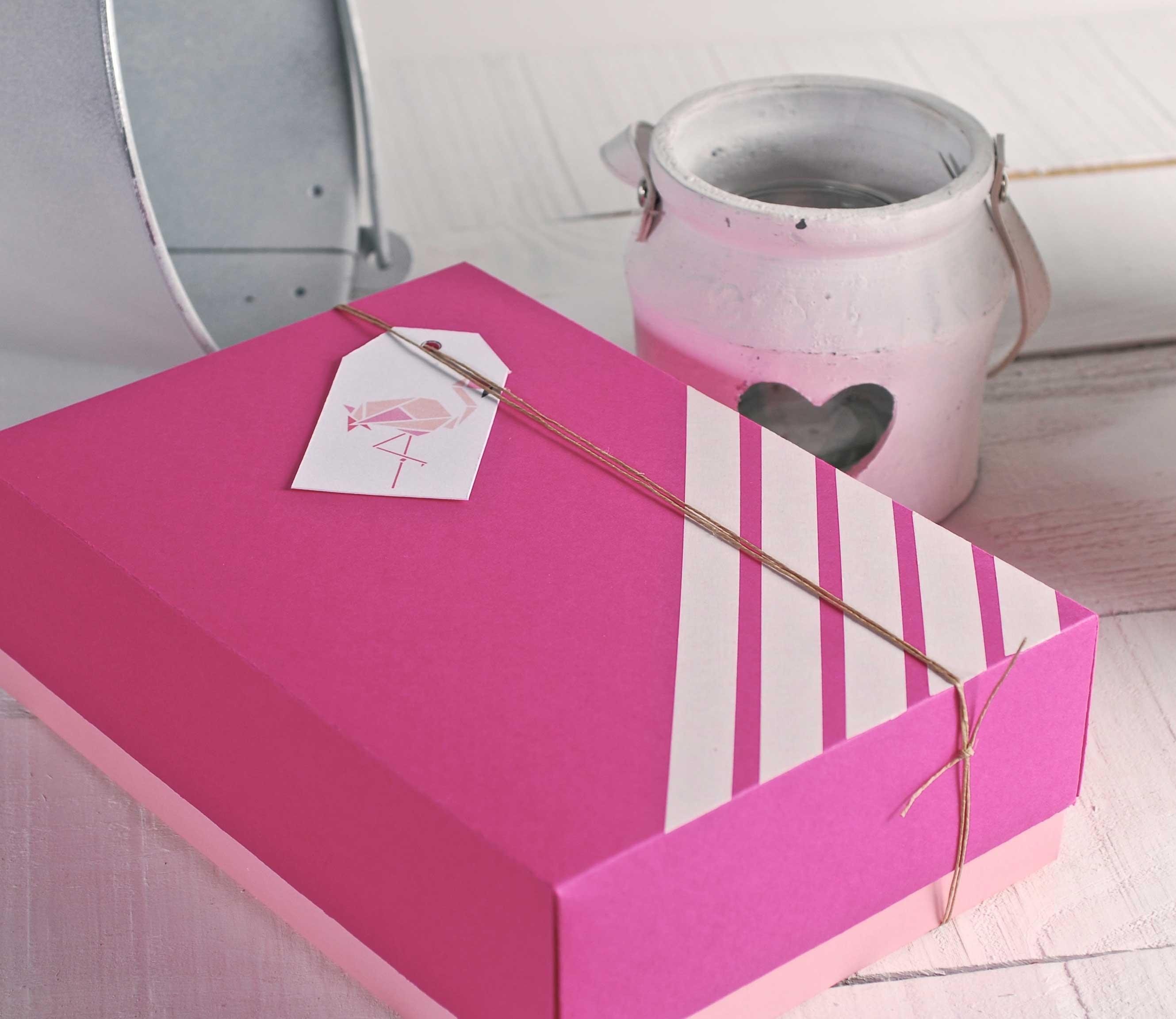 Encantador Caja Para Almacenamiento De Vestido De Novia Friso ...
