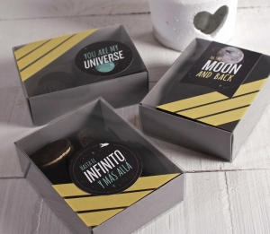 """Universe"" decorated sweets box"