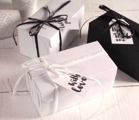Caja blanco y negro