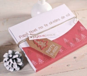 Gift box for photos with Christmas decorations