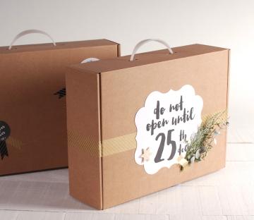 Maletín de cartón para Navidad