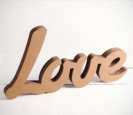 Letras de cartón LOVE