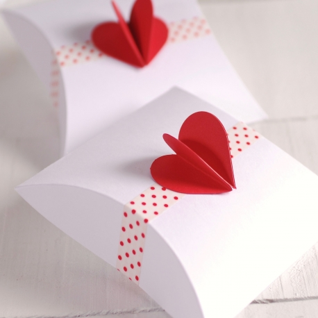 Box with 3D heart for Valentine's day
