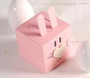 Cajita cuadrada en forma de conejo