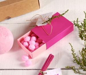 Small box for cosmetics