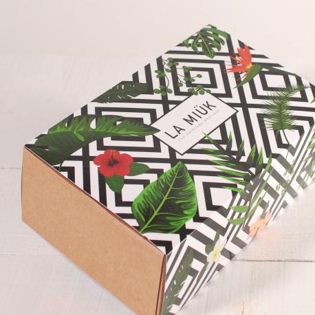 Caja para envíos personalizada