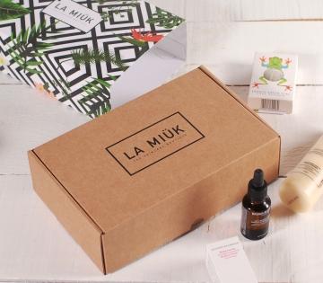 Caja de envíos para cosmética
