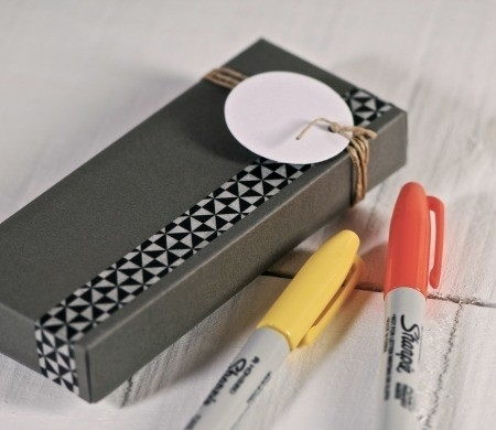 Rectangular box with cord for stationery presents
