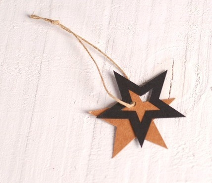 10 Cardboard stars