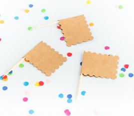 Kleine Flaggen für Feste
